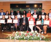 Profesionales UFRO recibieron diplomas de postítulo de la Universidad de Valparaíso